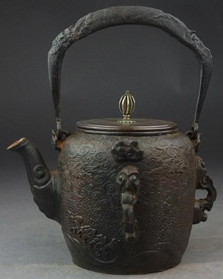 金龍堂の鉄瓶