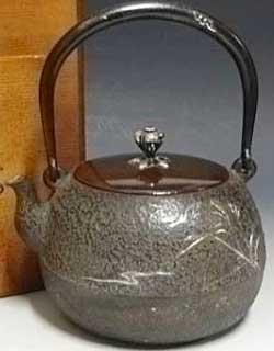 龍文堂 名人安之介の鉄瓶の価値