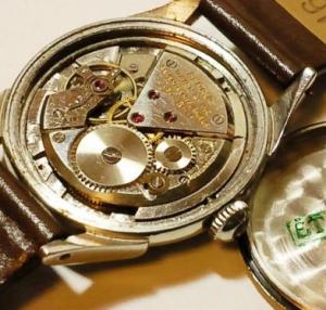 ベンラスの腕時計